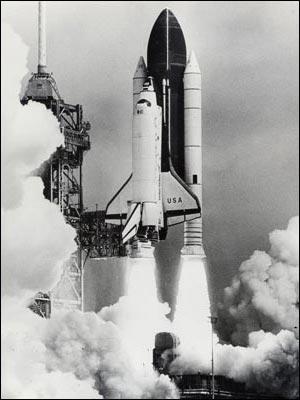 Shuttle Columbia lifts off. Photo by David Tenenbaum